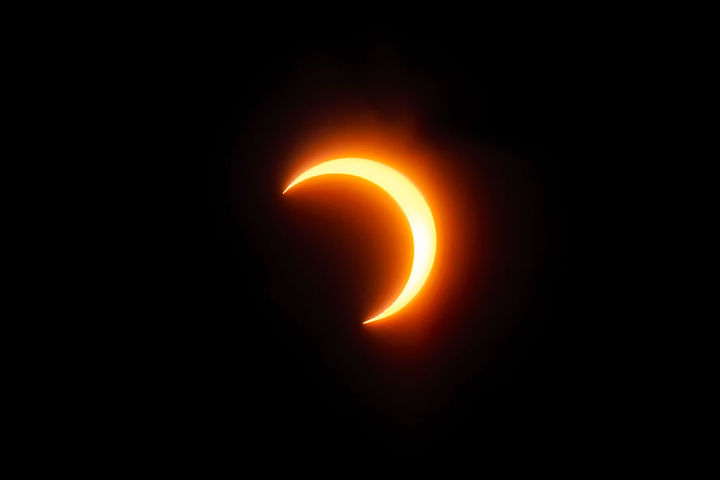 How to photograph eclipse sun glasses