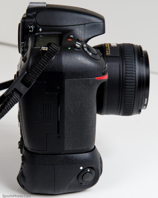 Zeikos_Battery Grip On_D800_Side