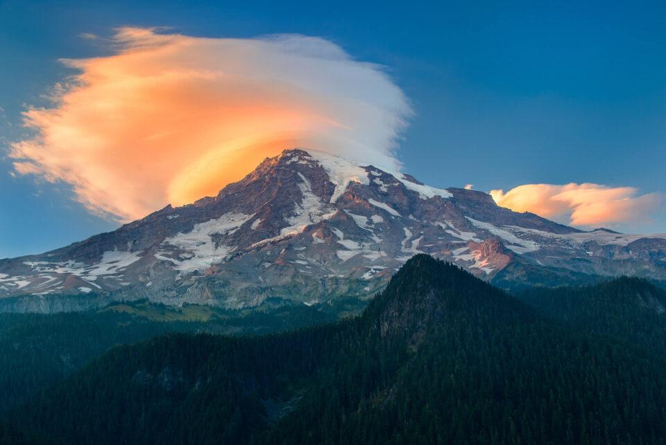 Mt Rainier Lenticular Cloud