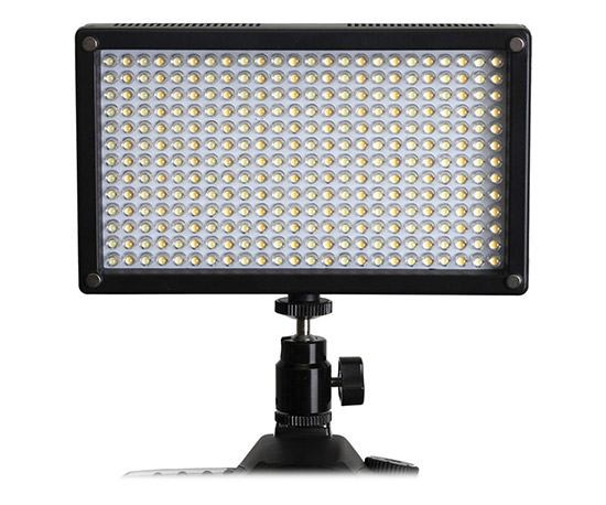 Generay LED 7100T On-Camera Light
