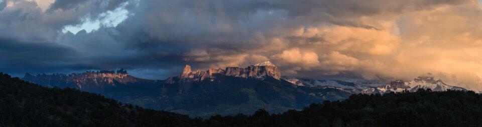 Verm-Chimney-Rock-pano-San-Juans-2734-Edit