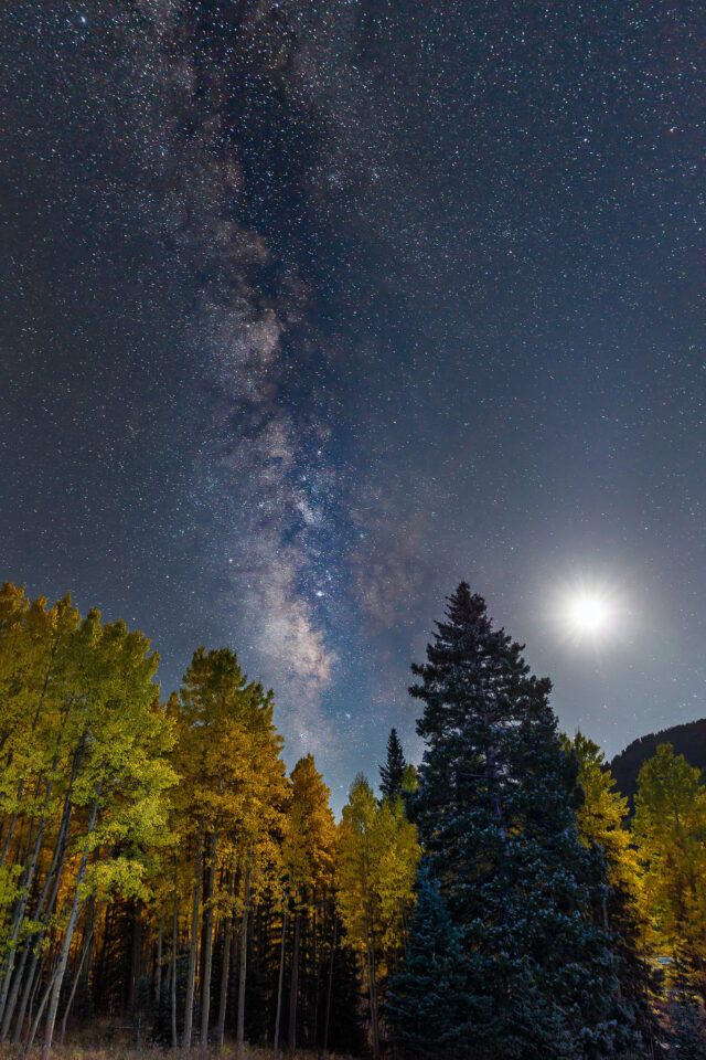 Milky Way with the Moon, captured with Canon 5DS R