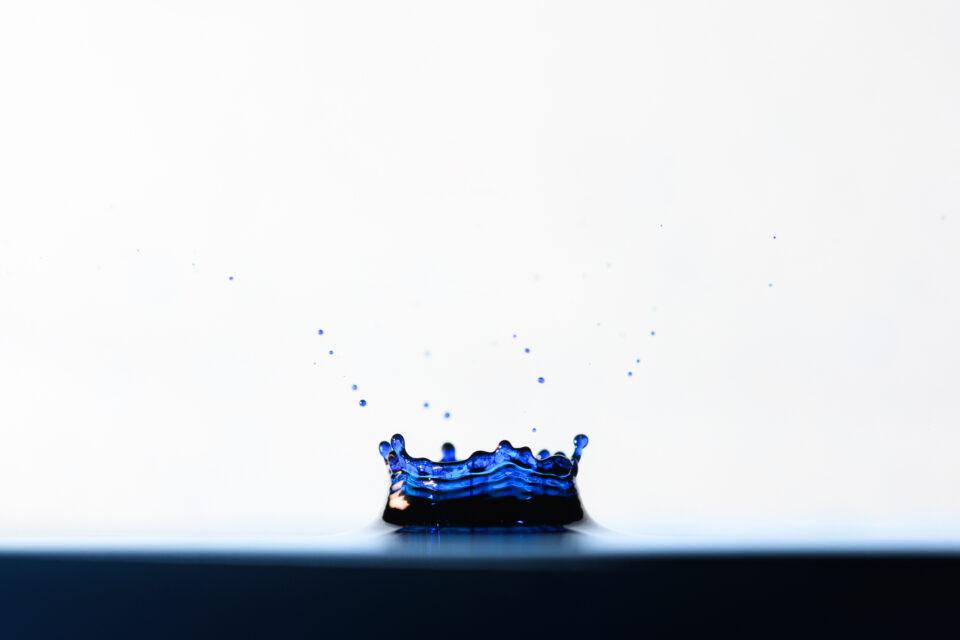 Splash of water macro photography idea