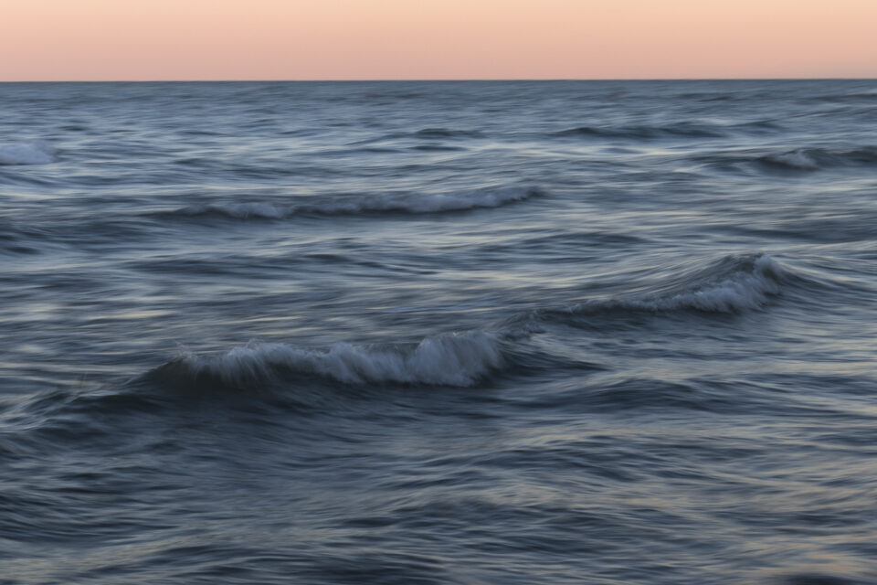 Texture of the ocean with a long exposure