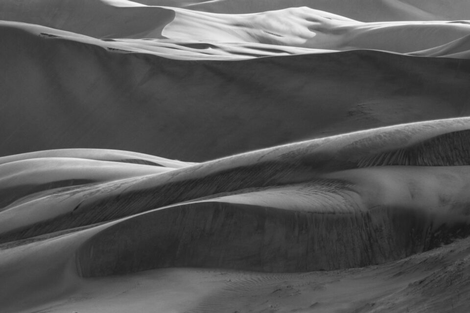 2018 Great Dunas de arena en blanco y negro